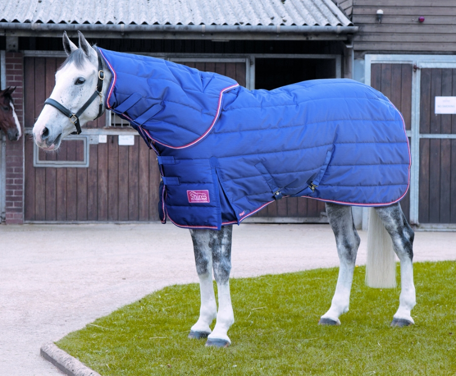 shires-tempest-plus-250-stable-rug-detachable-neck-cover-set-navyred